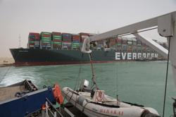 Suez ship congestion could delay 10 LNG cargoes to Europe - analysts