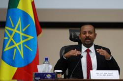 Ethiopia's PM says Eritrea agrees to withdraw troops from border area