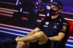 Motor racing-Verstappen fastest in first Bahrain GP practice