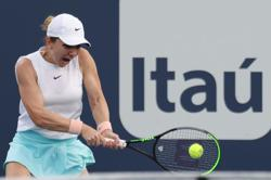 Halep withdraws from Miami Open with shoulder injury