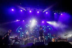 Spectacular: 5,000 pack Barcelona rock concert after COVID tests