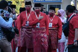 Umno to strengthen syariah law if it wins two-thirds majority in next GE, says Zahid