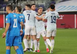 Soccer-Scotland deserved more than a point, says Fraser