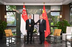 Singapore and China foreign ministers discuss travel resumption