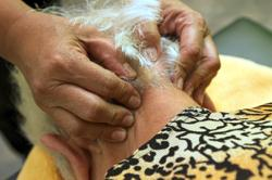Non-drug treatments equally effective in treating depression in dementia
