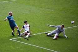 Preston strike late to frustrate Norwich, Watford keep winning