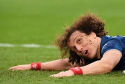 Soccer-Arsenal's Luiz out of Liverpool game due to knee issue