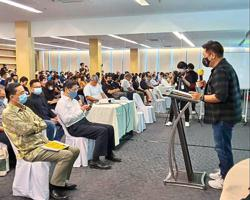100 attend workshop on live streaming