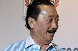 Berjaya's Vincent Tan steps back into non-executive role