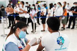 Asean Latest: Bangkok nightspots may close as virus precaution