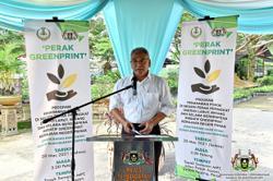 6,500 fruit trees for Larut, Matang and Selama district