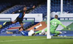 Late Batshuayi leveller stunts Everton's Euro push