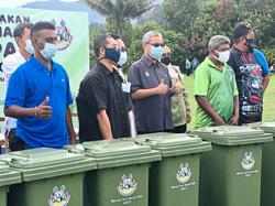 Council to give out free rubbish bins to residents