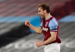 Loanee defender Dawson makes West Ham stay permanent