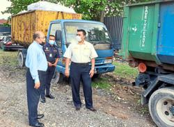 Five contractors nabbed for illegal dumping in Klang