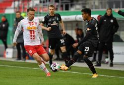 Werder battle past Regensburg to reach German Cup semis