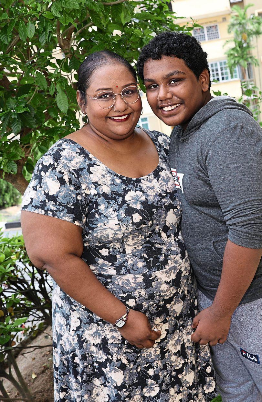 Navamalar (left) and her son Thurgeswaran. Photo: The Star/Glenn Guan