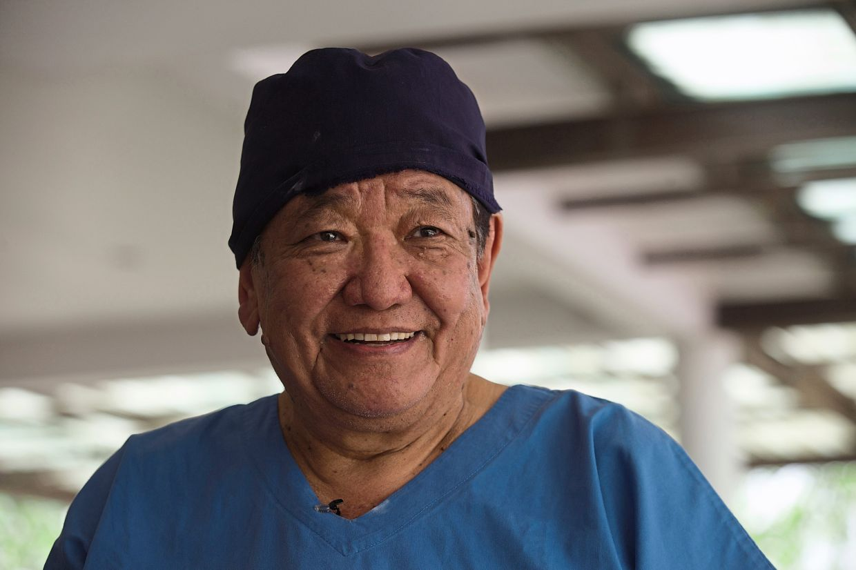 Dr Ruit pioneered a simple technique where he removes the cataract without stitches through small incisions and replaces them with a low-cost artificial lens.