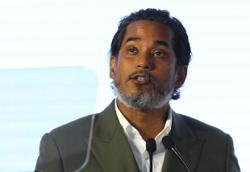 Zahid's position as Umno president 'increasingly untenable', says Khairy