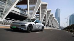 Chinese robot cars set the record for longest driverless distance