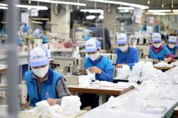 Experts urge Vietnam businesses to be competitive to benefit from CPTPP and FTAs