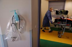 Families thwart COVID-19 patient transfers as third wave grips France