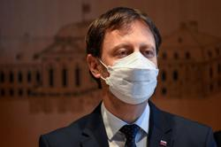 New Slovak PM seeks to mollify Russia in vaccine row