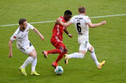 Soccer-Second-string Bayern stumble to 1-1 draw versus Union