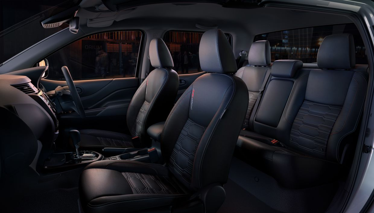 Be impressed with a stunning interior that boasts leather seats with thigh support and curved backrests, USB ports as well as an eight-inch advanced touchscreen display with smartphone adaptability.