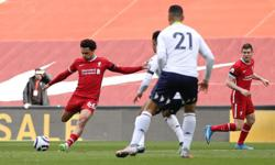 Soccer-Late Alexander-Arnold strike earns Liverpool 2-1 win over Villa