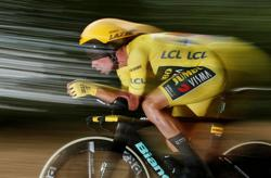 Cycling-Roglic overturns deficit to win Tour of Basque country