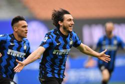 Soccer-Darmian the unlikely match winner as Inter close on title
