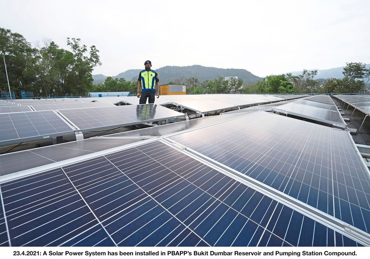 Promoting renewable energy: Solar energy must be accepted into the grid as it is generated.
