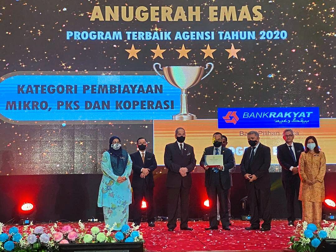 Bank Rakyat achieved another milestone when it received the gold award for Agency Best Programme 2020 in the category of micro, SME and cooperative financing from the Entrepreneur Development and Cooperatives Ministry through its Bank Rakyat Cares programme.