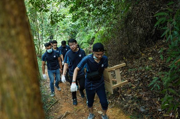 The Save the Forest, Save Us initiative saw volunteers cleaning up hiking trails, repairing shelters, erecting signages and constructing park benches.