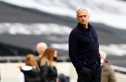 Mourinho blasts Solskjaer for Son criticism