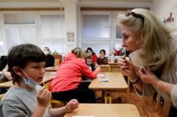 Czech COVID-19 daily tally lowest since September as pupils return to classroom