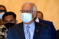 Wrap up by noon or break your fast here, judge tells Najib's defence
