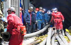 Rescue continues after coal mine flood in Xinjiang