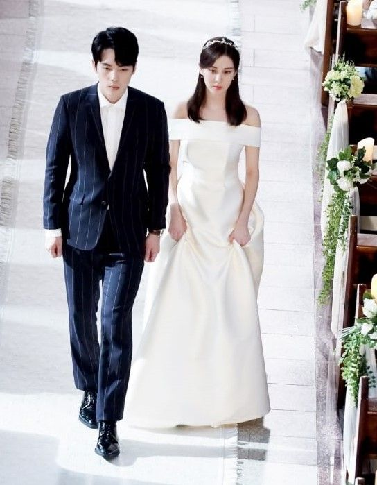 In a wedding scene in 'Time', they walked down the aisle without holding hands. Photo: YouTube
