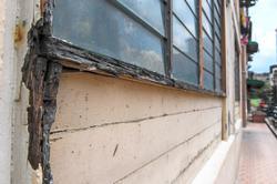DBKL urged to repair rotting walls