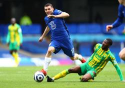 Chelsea's Kovacic to miss FA Cup semi-final due to hamstring injury