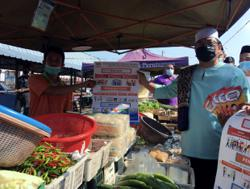 Follow Covid-19 SOP or risk losing Ramadan bazaars this year, warns Melaka CM