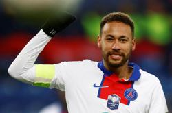 PSG's Neymar says contract extension 'not a topic any more'