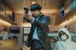 'Seobok' review: A fun thriller of science, gunfights and discussions on death