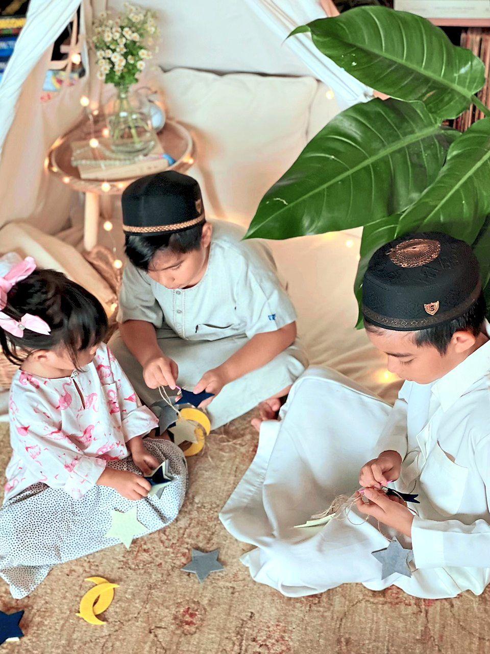 The children helping to prepare decorations for Ramadan. Photo: Deelaila Ramzi