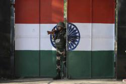 India, Pakistan hold secret talks to try to break Kashmir impasse