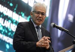 Perikatan can accept anyone but without conditions, says Hamzah