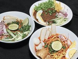 Savouring varieties of gulai kawah, laksa
