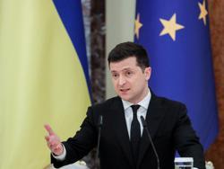 Ukraine's Zelenskiy to hold talks with Merkel, Macron about Russia standoff